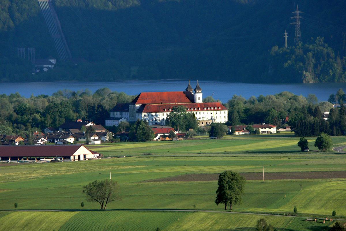 Gästeangebote und Exerzitien im Kloster Schlehdorf